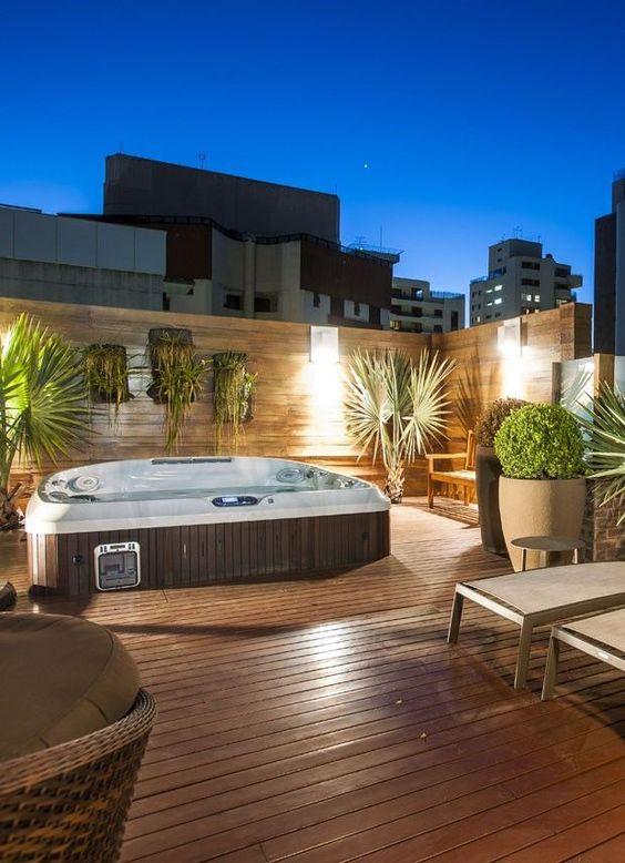 Modern Hot Tub Ideas: Breathtaking Rooftop Tub