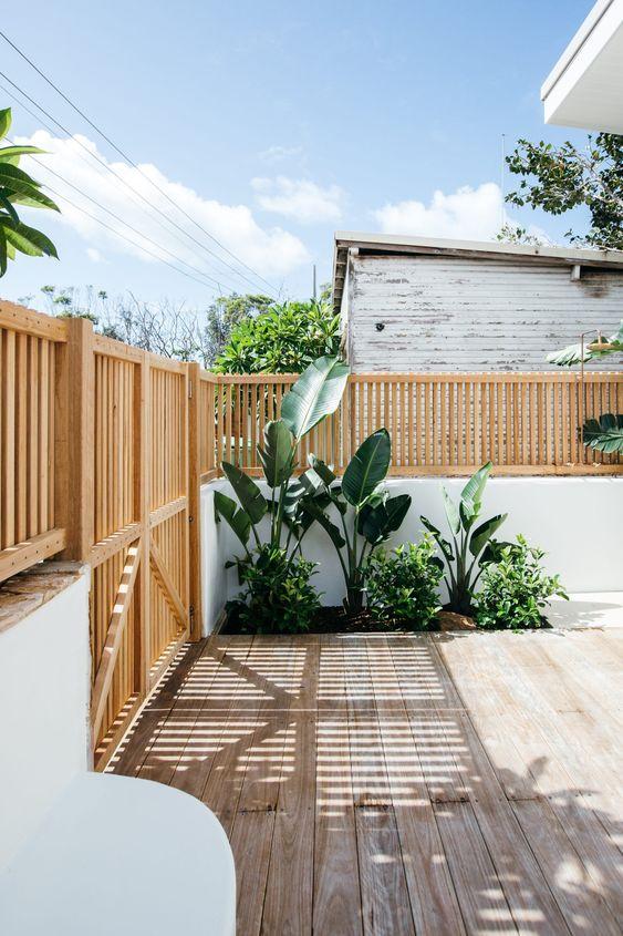 Outdoor Fence Ideas: Lovely Wood Slate