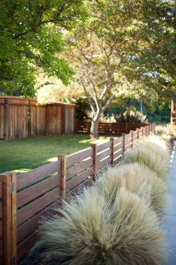 Outdoor Fence Ideas: Minimalist Short Fence
