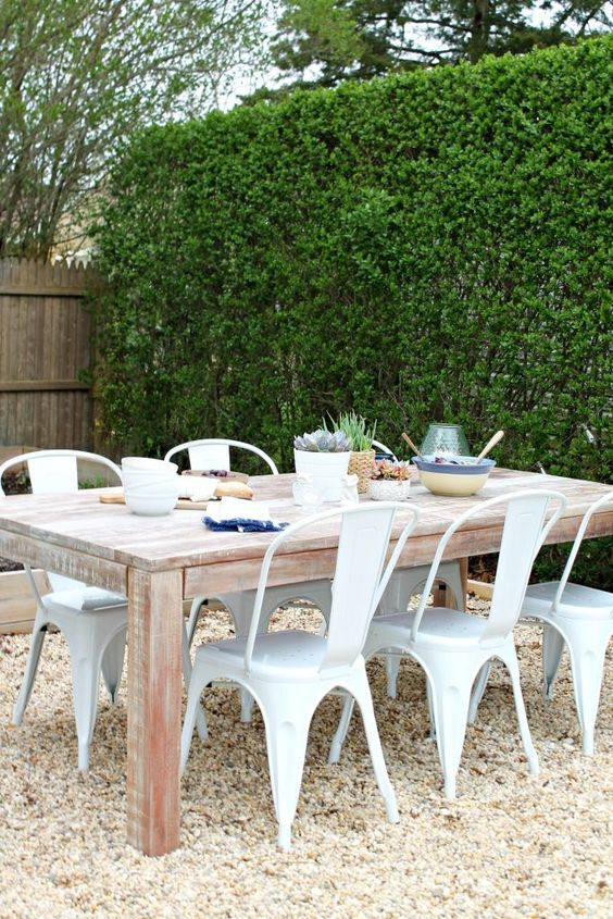 Patio Table Ideas: Stunning Rustic Farmhouse