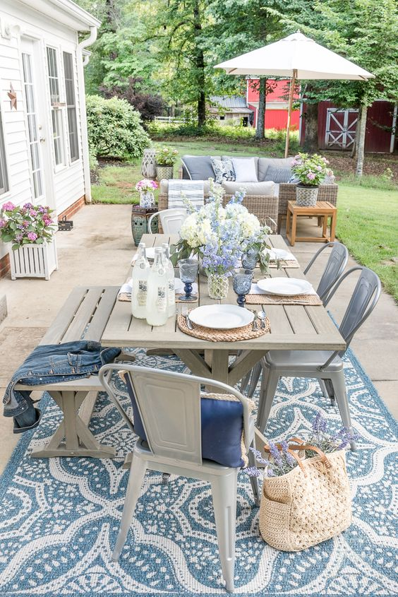 Patio Table Ideas: Beautiful and Airy