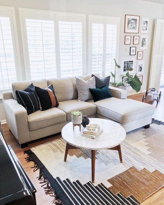 Simple Living Room Ideas: Sleek Furniture Feature