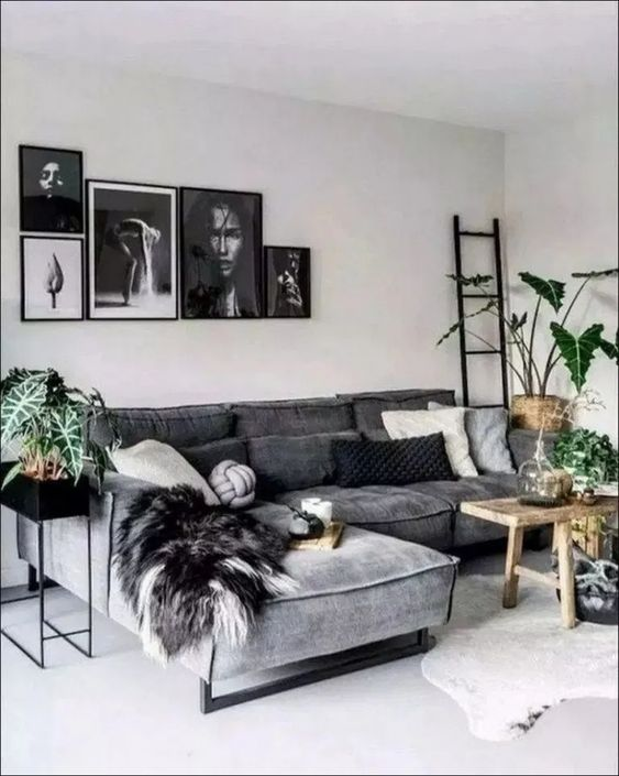 Simple Living Room Ideas: Bold Black Accent