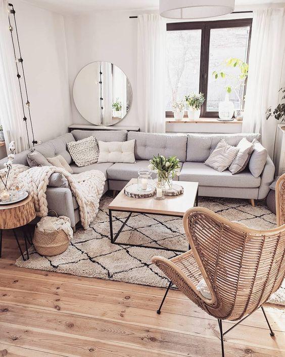 Simple Living Room Ideas: Warm Rustic Farmhouse