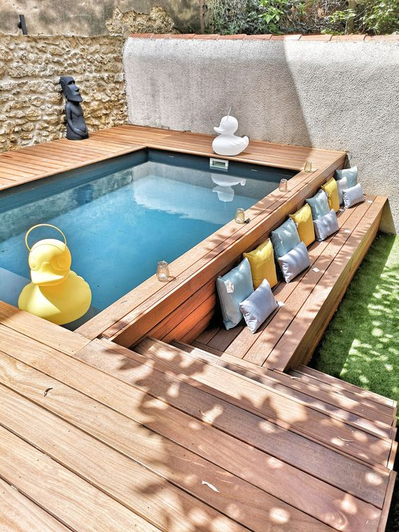 Swimming Pool Design Ideas: Earthy Above-Ground