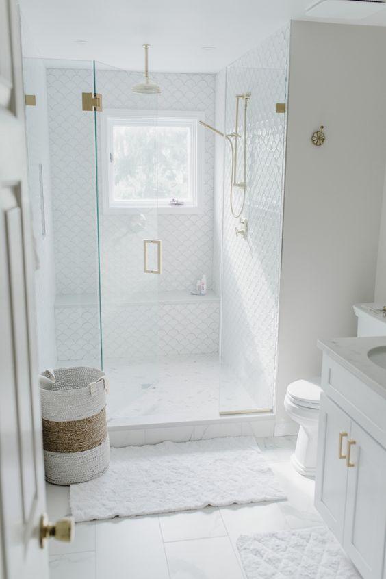 White Bathroom Ideas: Small White Bathroom