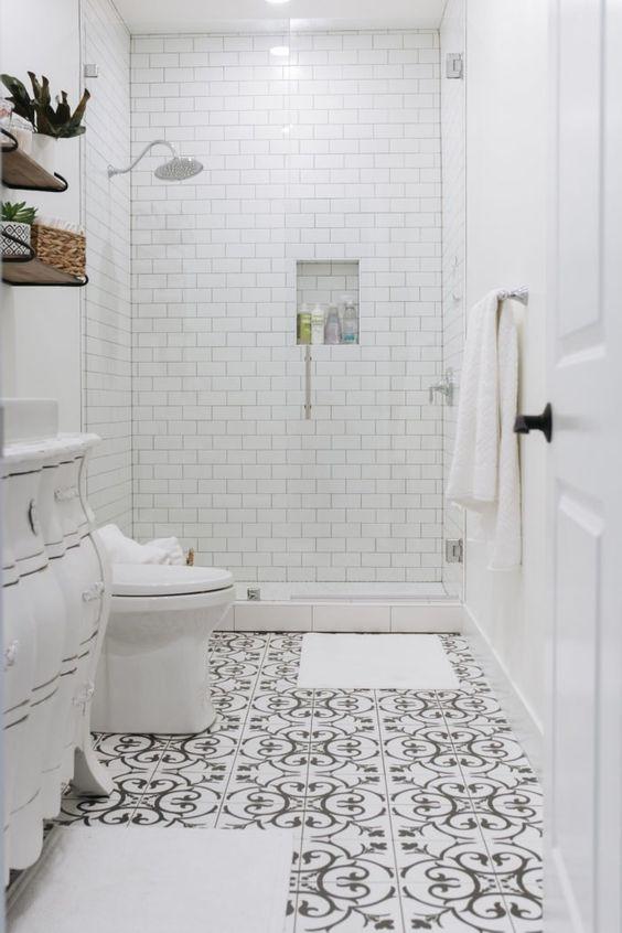 White Bathroom Ideas: Stunning Farmhouse Decor