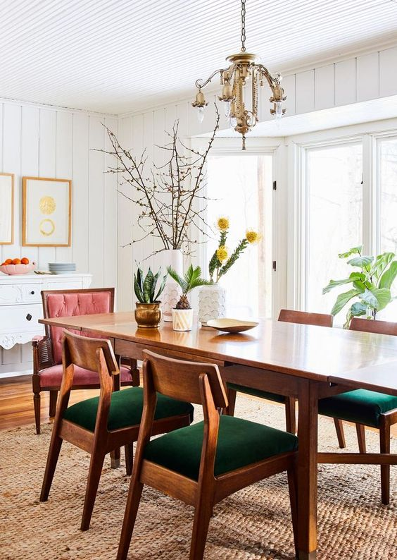 Wood Dining Room Ideas: Fresh Pop Color