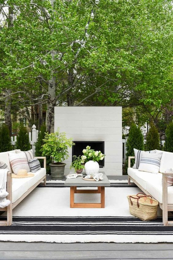Backyard Oasis Ideas: Modern Farmhouse Look