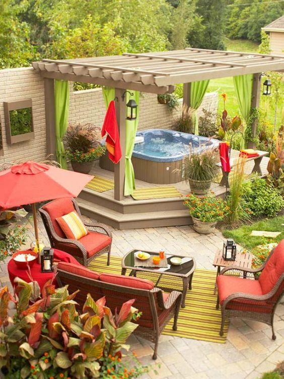 Hot Tub Pergola: Breathtaking Green Layout
