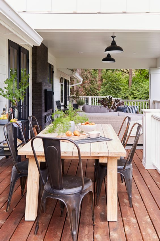 Patio Dining Ideas: Captivating Wood Cedar
