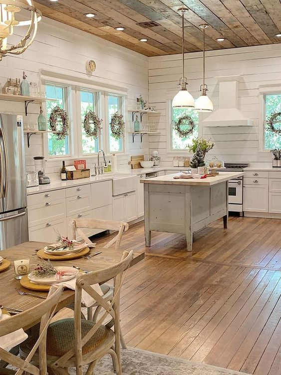 Rustic Kitchen Ideas: Bright Vintage Kitchen