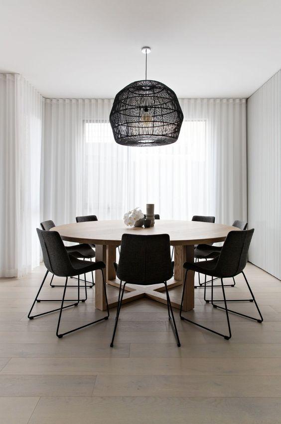 Simple Dining Room Ideas: Stunning Circular Room