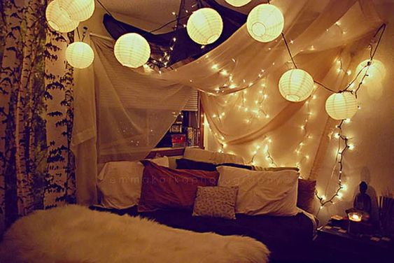 How to Decorate Bedrooms with String Lights 3