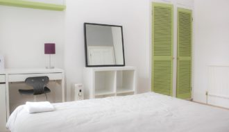 How to Arrange Bedroom Furniture