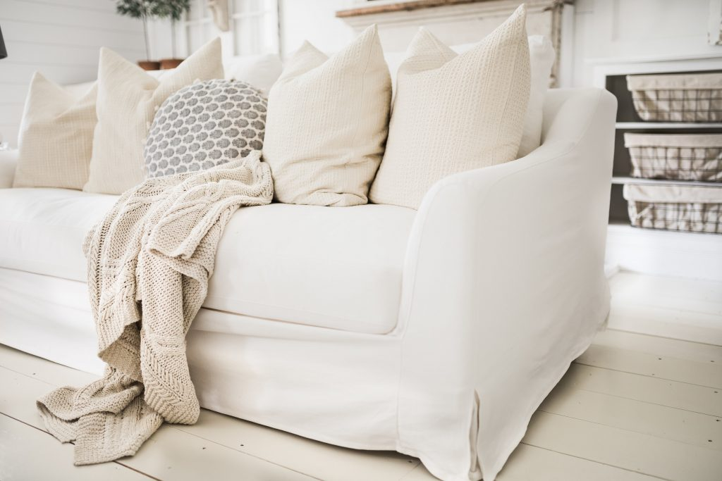 How to Pick Slipcovers for Living Room Furniture 2