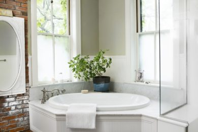 How to Choose Glass Partitions for Bathrooms